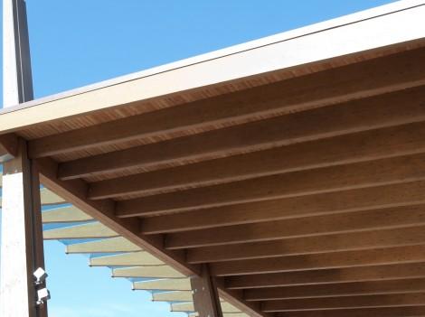 Construction site: glued laminated timber - platform mobile